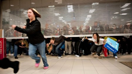 crazy shoppers, black friday, bargain hunters