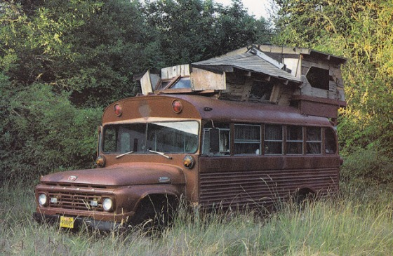 rolling homes, homemade, handmade homes, home in a bus, wooden home built on wheels, moon to moon blog, interior design, simple living