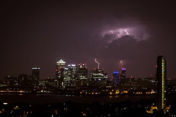 london, london storm, thunderstorm, brexit, a warning, storm gods, lightning, crazy weather, the referendum, lots of rain, rainy city, flooded stations, history in the making, vote remain, leave or remain